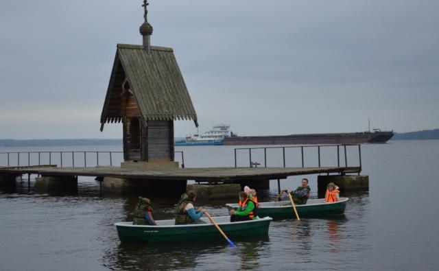 лодки для дома сирот